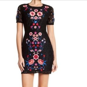 NWT Romeo & Juliet Couture Flower Embroidery Dress